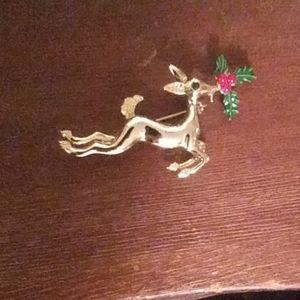 Jewelry - Gold Reindeer Pin